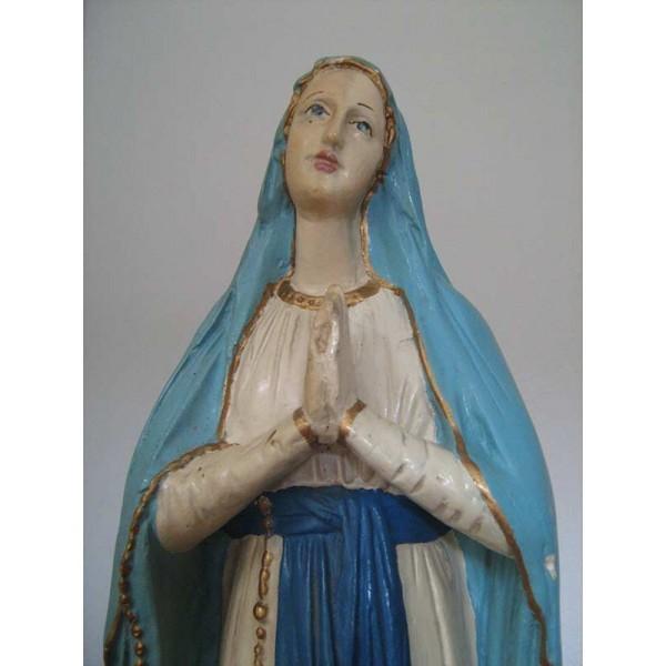 Čiščenje mavčnega kipa - Marija