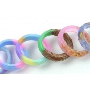 Ustvarjalne delavnice - prstan iz vlite plastike